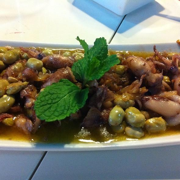 Beans With Baby Calmars @ El Roble