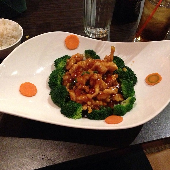 General Tso's Chicken @ Sukho Thai
