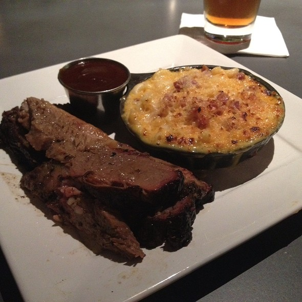 Brisket With Pancetta Mac & Cheese - Epic Smokehouse, Arlington, VA