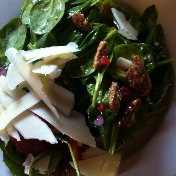 Spinach Salad @ Flavor California Comfort Food