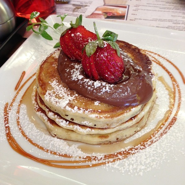 Fluffy Pancakes With Nutella @ The Breakfast Club