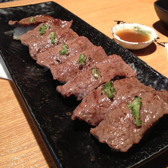 불초밥 Grilled Beef Sushi @ 셰프의 국수전