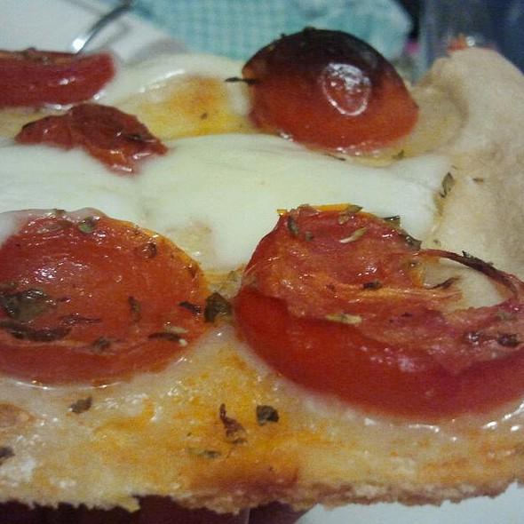 Pizza Pomodorini @ Ciccina