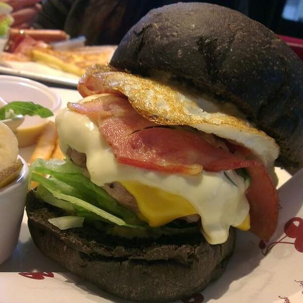 Black Pork Burger @ 古迪歐Goody.O