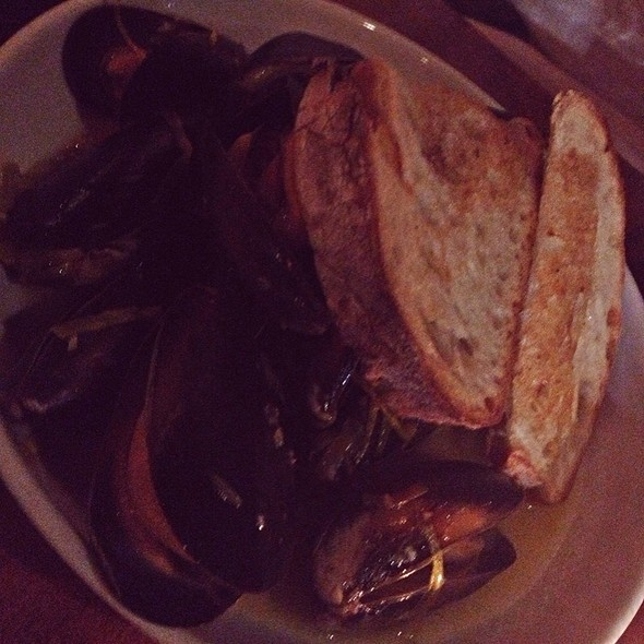 Penn Cove Mussels - Epulo Bistro, Edmonds, WA