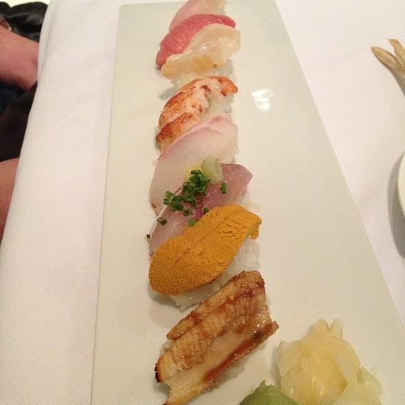 Sushi Omakase @ Hamamori