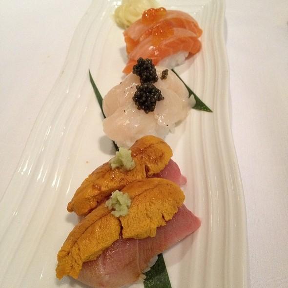 Assorted Sushi @ Hamamori