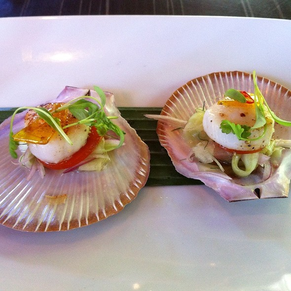 Seared Hervey Bay Scallops @ Spirit House