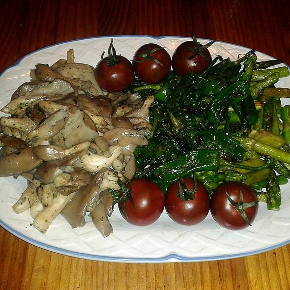 Grilled Veggies @ Churchilito