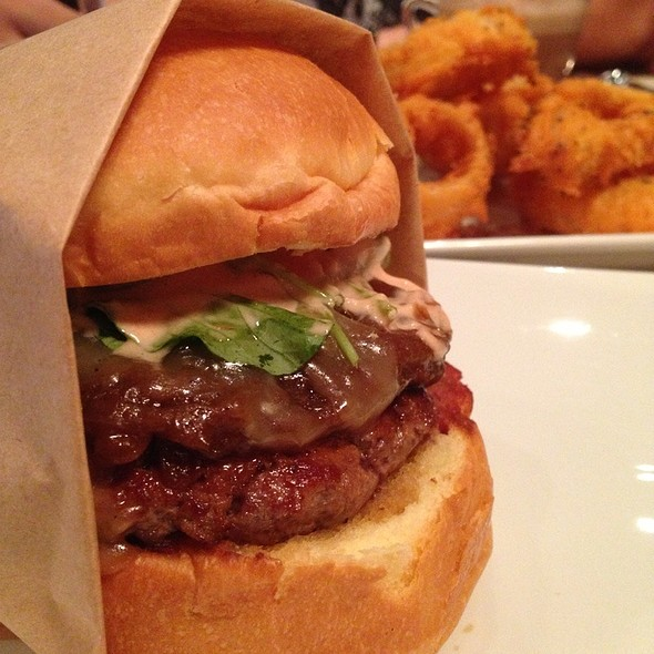 Beef Burger @ 25 Degrees @  Pullman Bangkok Hotel G