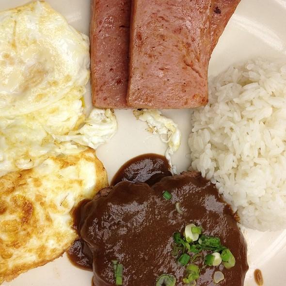 Hawaiian Plate - Crown Restaurant & Lounge, Palisades Park, NJ
