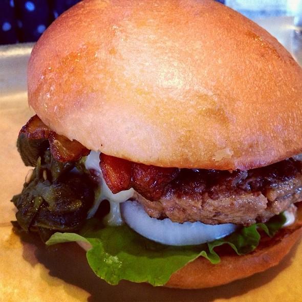 Llano Poblano Burger @ Hopdoddy Burger Bar
