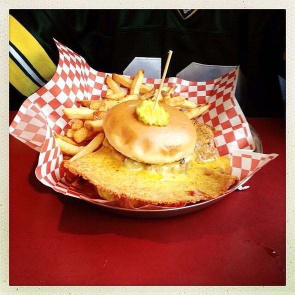 Cheesey Cheese Burger @ Salt & Pepper