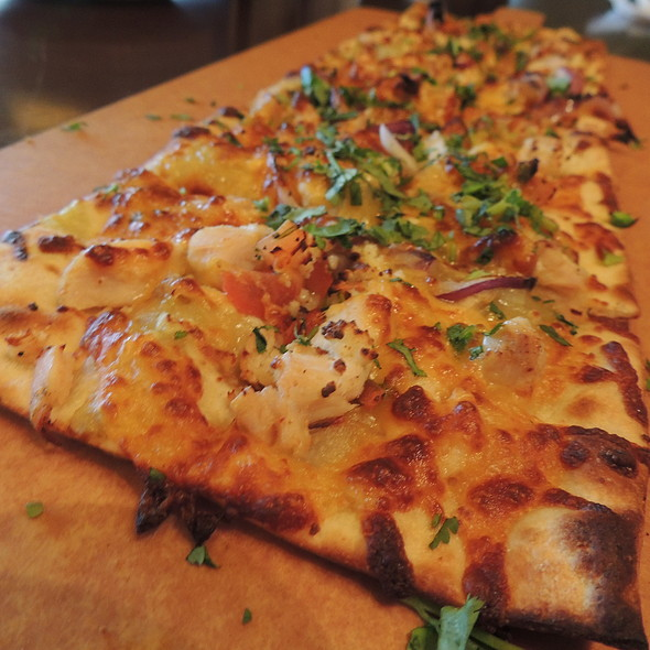 Flatbread - Bar Louie - Uptown, Minneapolis, MN