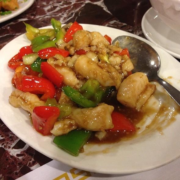 Hong kong bistro menu mountain view ca foodspotting for Fish in black bean sauce