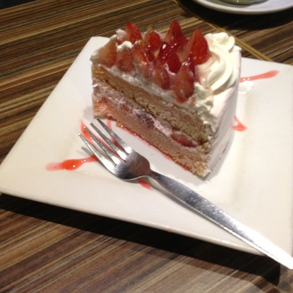 strawberry shortcake @ Vizco's