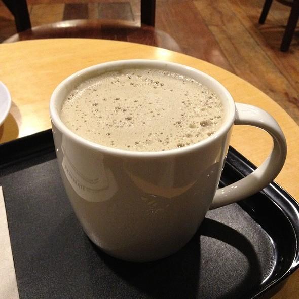 Houjicha Soy Latte @ Starbucks Langsuan