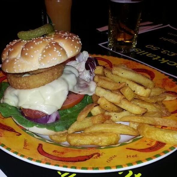 New York Deli Burger @ Monroe's Rock Cafe