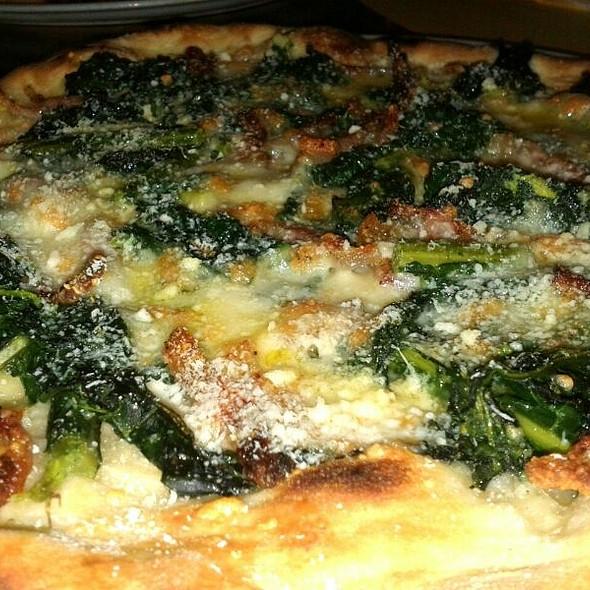Pizza Incavolata Nera