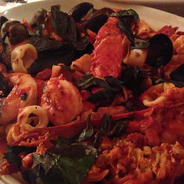 Seafood Linguini @ Tony's DiNapoli