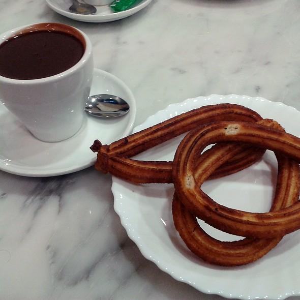 Chocolate Con Churros @ Granier