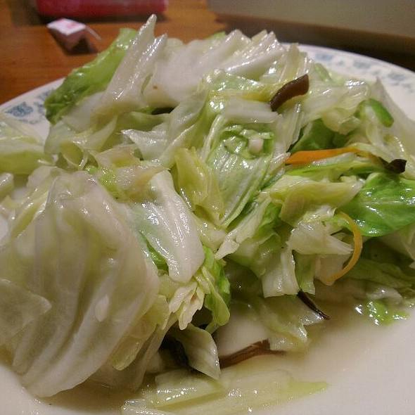 Stir Fried Cabbages @ 胖子小吃部