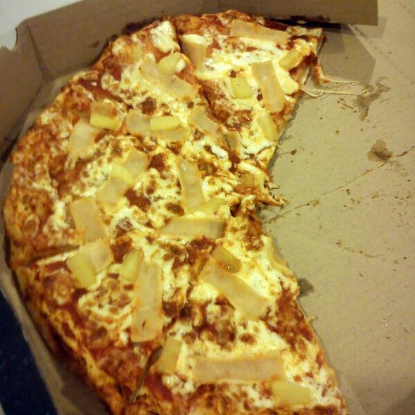 Hawaiian Pineapple Pizza