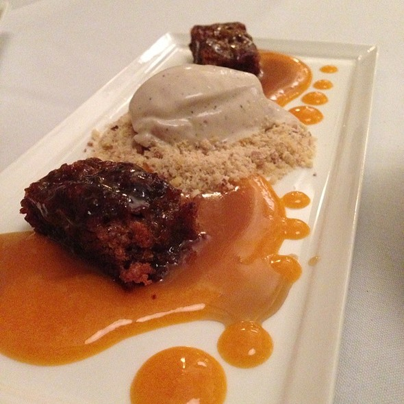 Sticky Toffee Pudding (Earl Grey Chocolate Chip Ice Cream, Single Malt Scotch Honey) @ Lilac