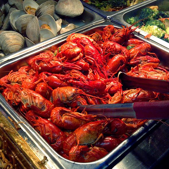 Boiled crawfish @ Teppanyaki Grill & Supreme Buffet