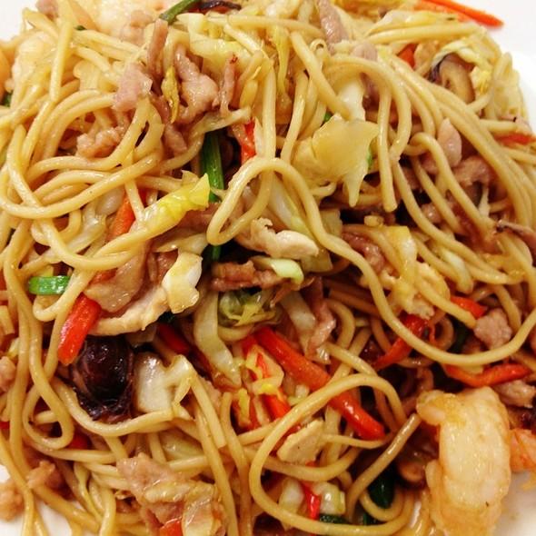 Chow Mein Three Flavors @ Ming Wa Restaurant