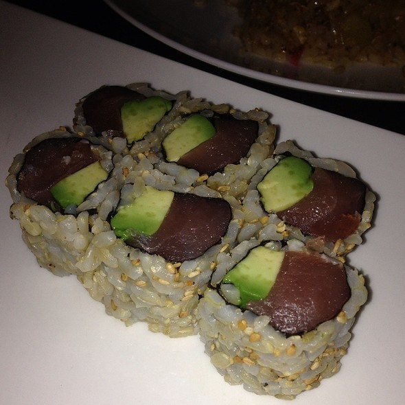 Tuna Avocado Roll @ Kumo