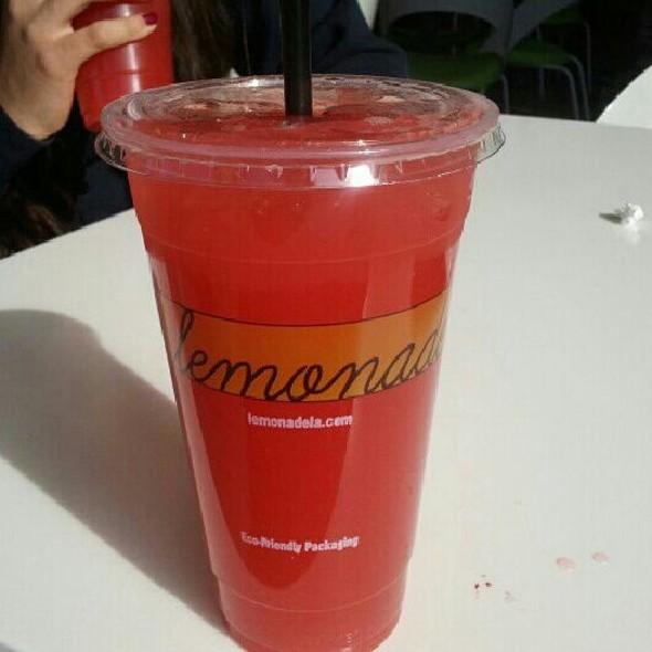 Rasberry Vanilla Lemonade @ Lemonade