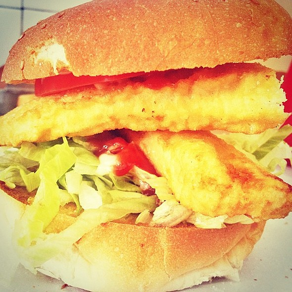 Lunch! My hungry eyes are very impressed. Plus chips, another burger and a drink for under $20. @ Richmond Fish Supply‎