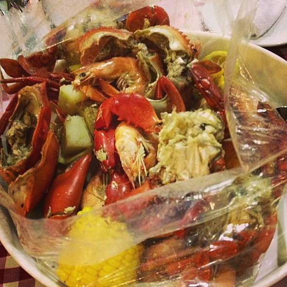 Louisiana Crab and Shrimp Boiling Bag @ Clawdaddy Crab House & American Grill