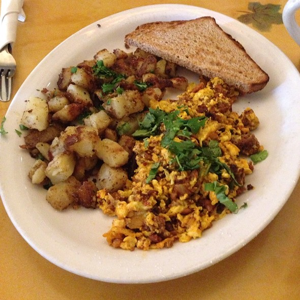 Chorizo Scramble @ Honey Honey Cafe & Crepery