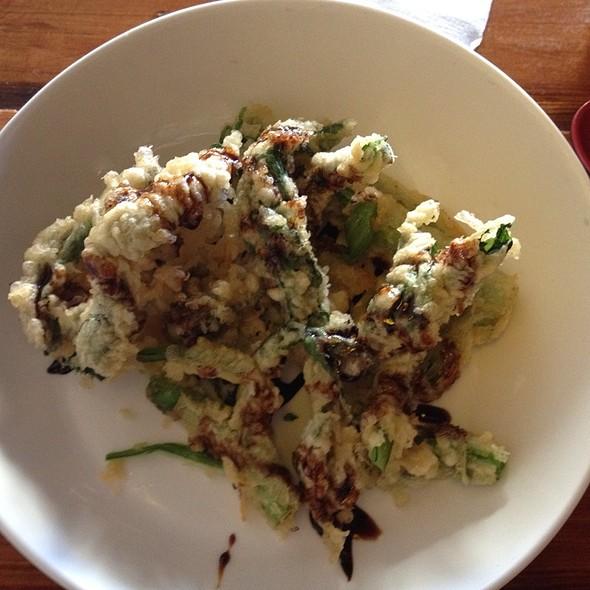 Chinese Broccoli Tempura @ Hinomaru Ramen