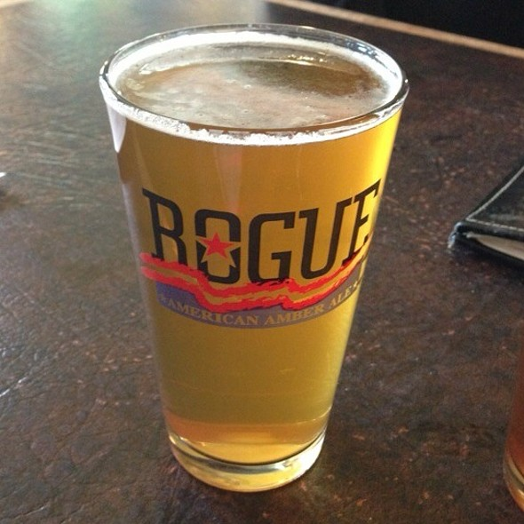 Rogue Mom Hefeweizen @ Rogue Ales Public House