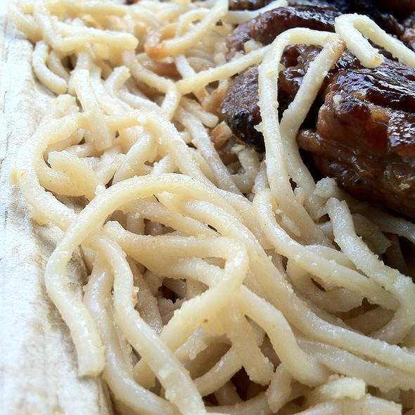 Garlic Noodles With 5-Spice Pork Skewer @ An The Go
