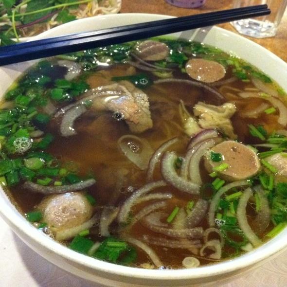 Pho @ Fawn's Asian Cuisine