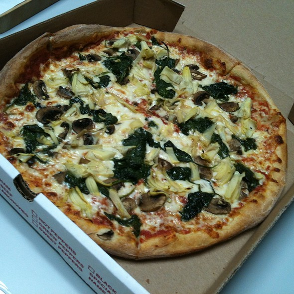 Florentine Pizza (Spinach/Artichoke/Mushroom) @ Lizzano's Pizza