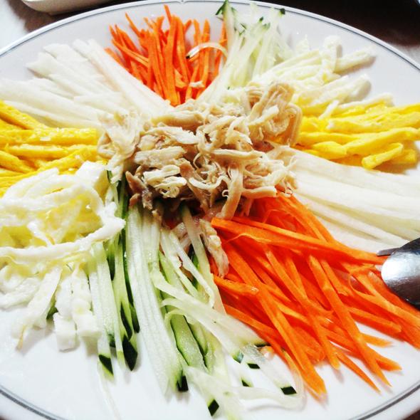 Korean Chicken Salad @ Hanayo