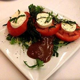 Tomatoe And Buffalo Mozzarella Salad