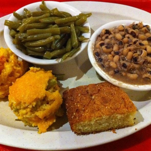 Veggie Plate @ Eats