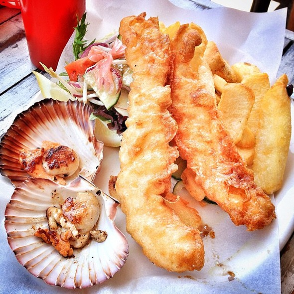 I eat things. Scallops, fish, and chips. @ Hooked