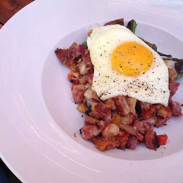 Corned Beef Hash With Green Chiles @ Bolsa