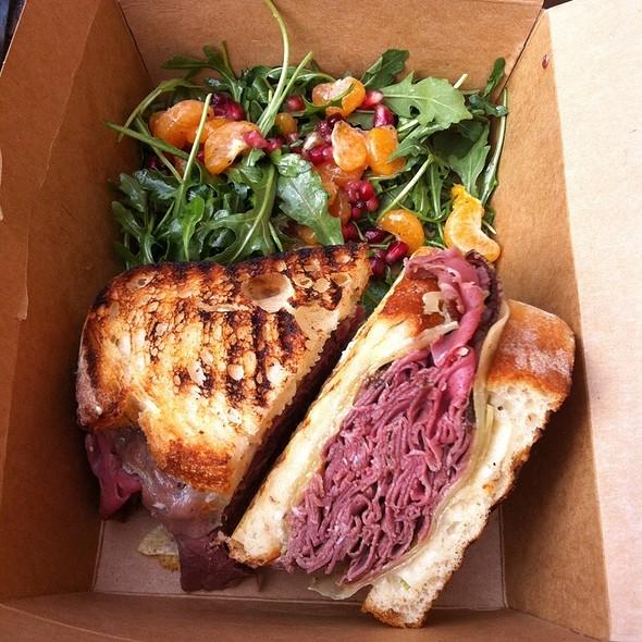 Hot Roast Beef Sandwich @ Darwin Cafe