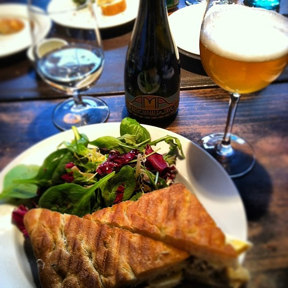 A perfect pairing for lunch: Uovo panini & Ama Bionda @ Fabbrica Restaurant & Bar