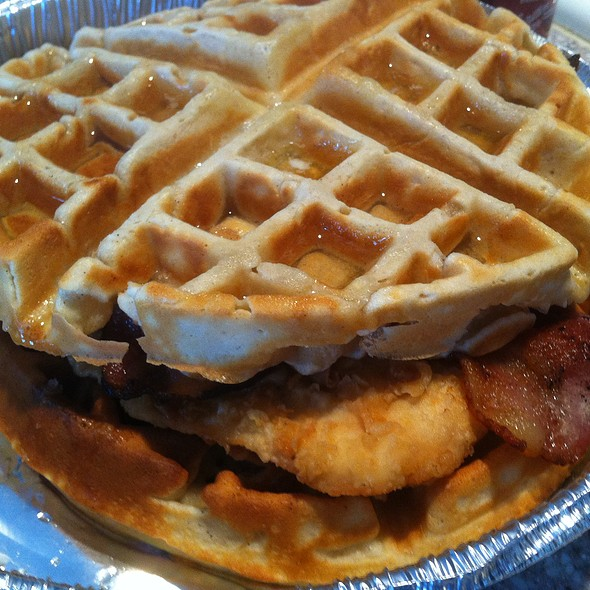 Fried Chicken and Bacon on Waffle @ El Gran Malo