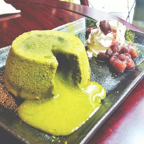 Matcha Lava Cake @ Sinmei Tea 川善茶居