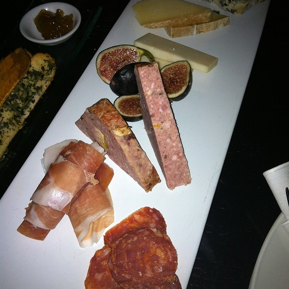 Charcuterie plate - Towne Hall, Pointe-Claire, QC